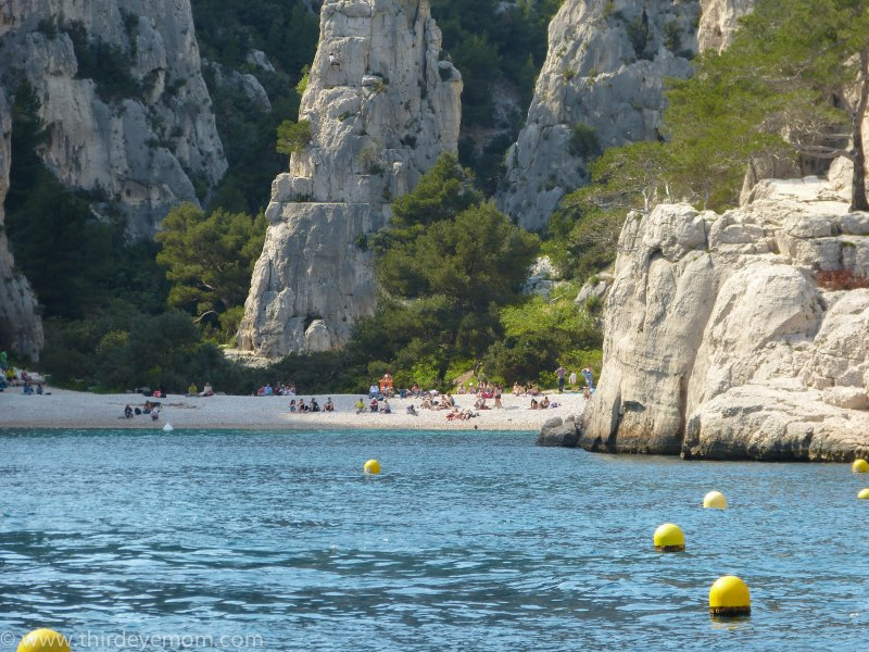 The beach at the calques