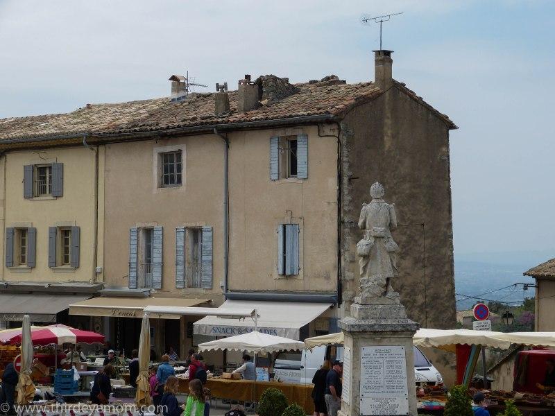 The market in Gordes