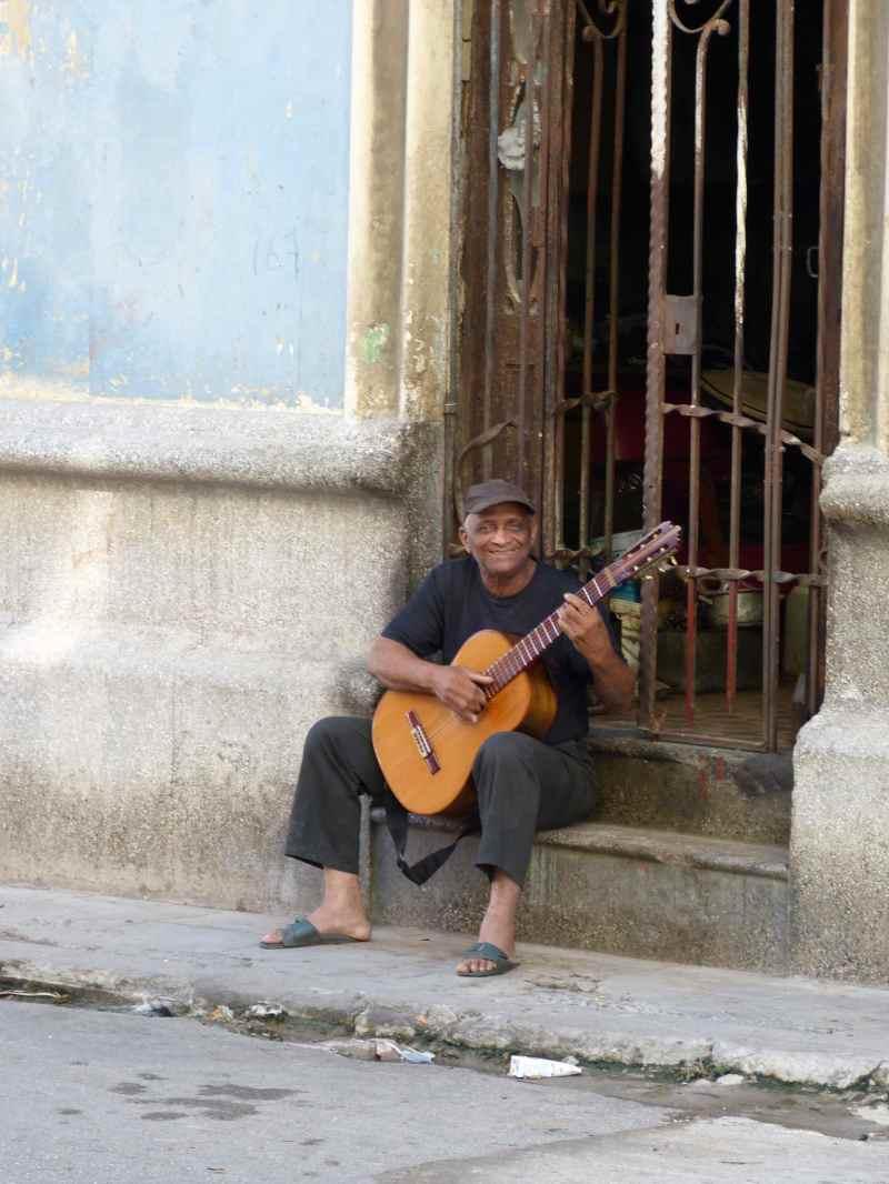 Havana street musician